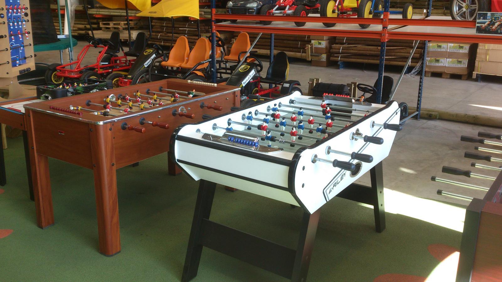 Futbolines y juegos activos